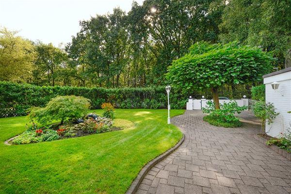 this exceptional villa is in mülheim saarn mansions