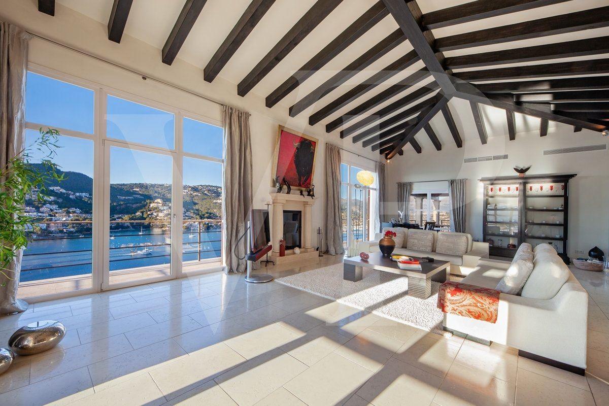 Luxury properties spectacular sea view location