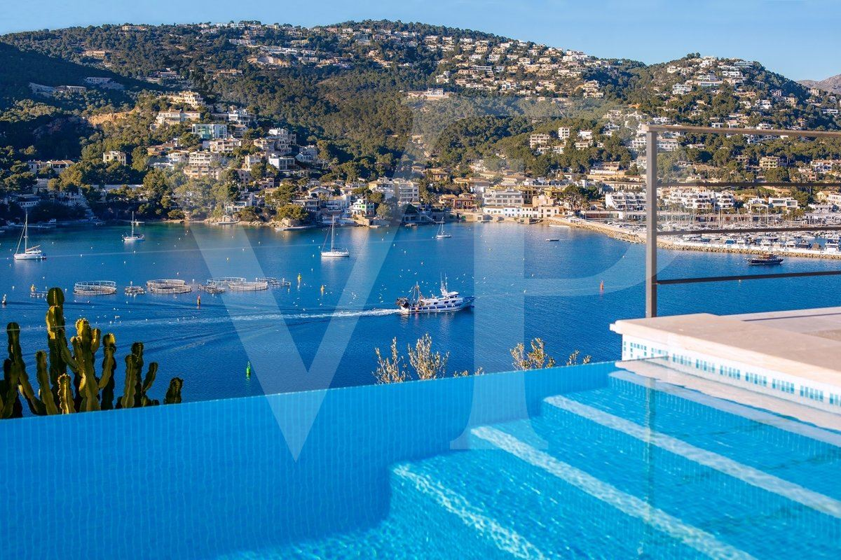 Luxury homes spectacular sea view location