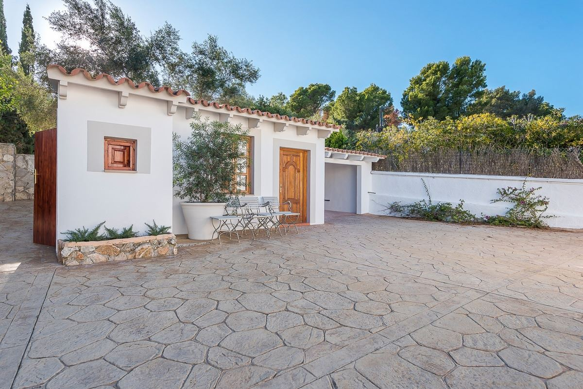 villa with style and character luxury real estate