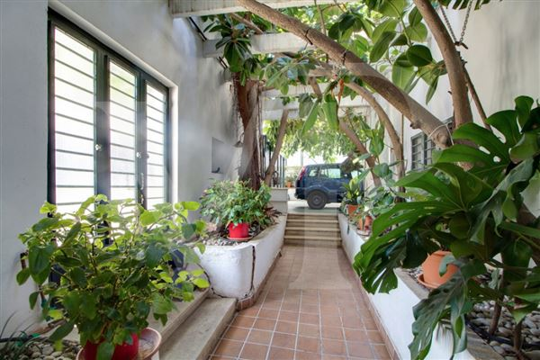 Luxury homes superb home in unique location with lovely views