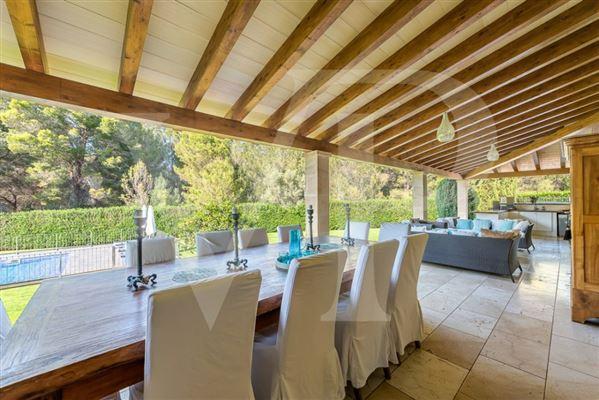 Luxury homes enjoy exclusive comfort under the mallorcan sun
