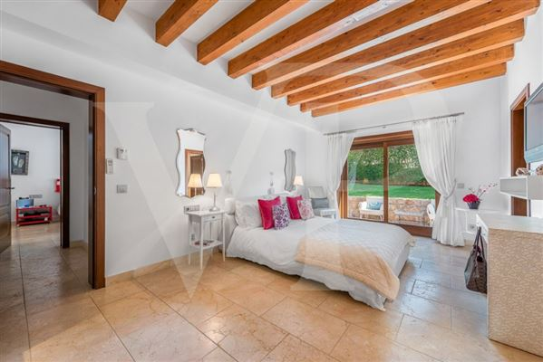 Mansions enjoy exclusive comfort under the mallorcan sun