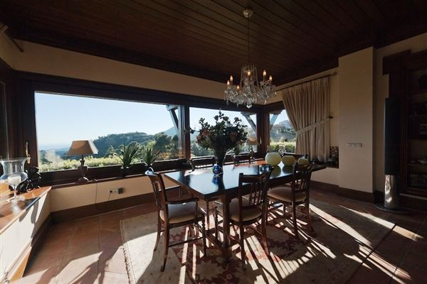 Mansions High-quality Andalusian style villa with sea view