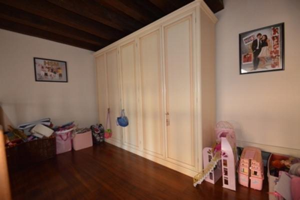 Luxury properties fantastic setting in venice