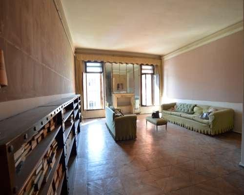 Piano Nobile in Palace luxury homes