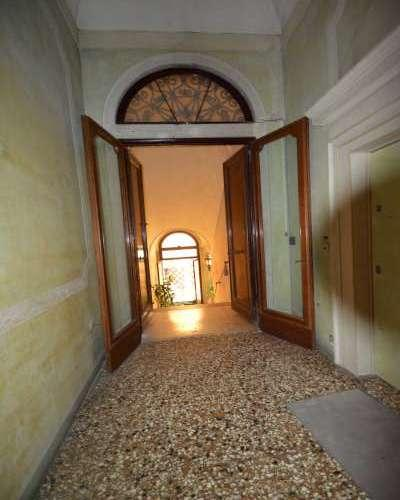 Luxury properties Piano Nobile in Palace