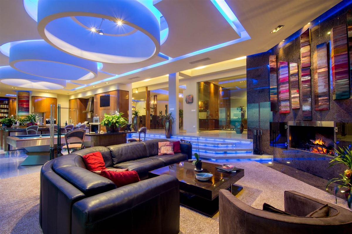 elegant oasis luxury real estate
