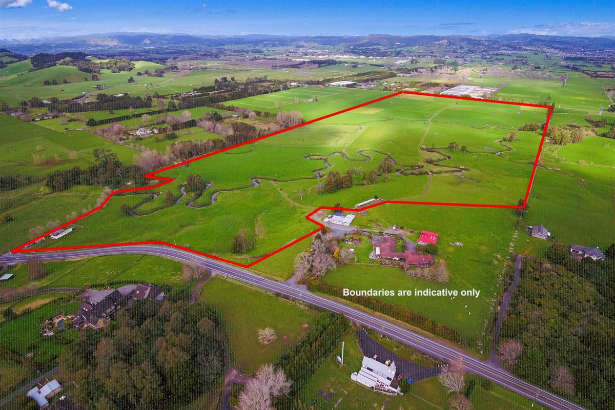 Luxury homes in superb 100 acre farm