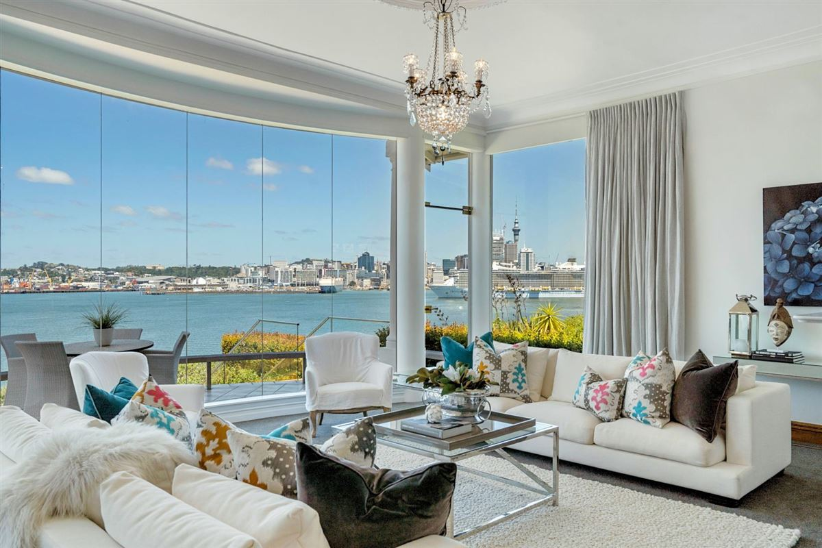 unquestionable class and unparalleled quality luxury homes