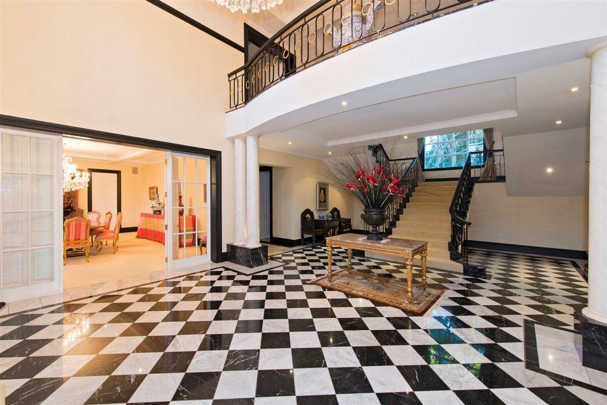 Luxury properties grandiose residence in kohimarama