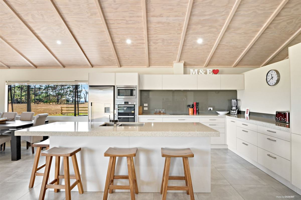 Luxury real estate Stunning designer home