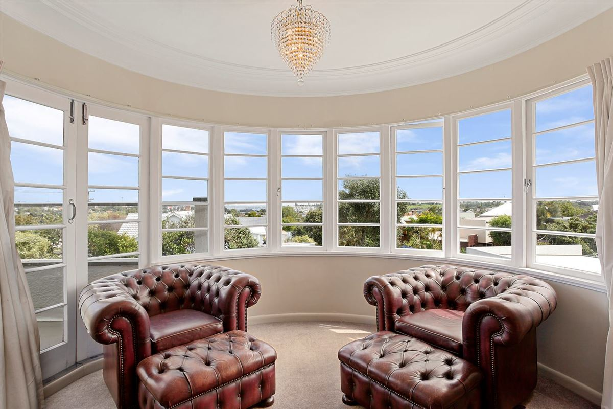 a grand home in auckland luxury homes