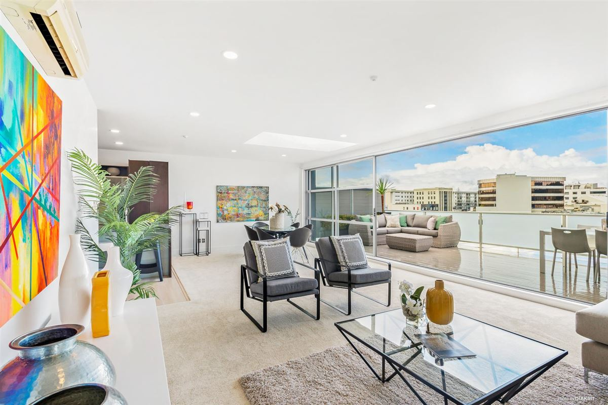 Spacious four bedroom penthouse