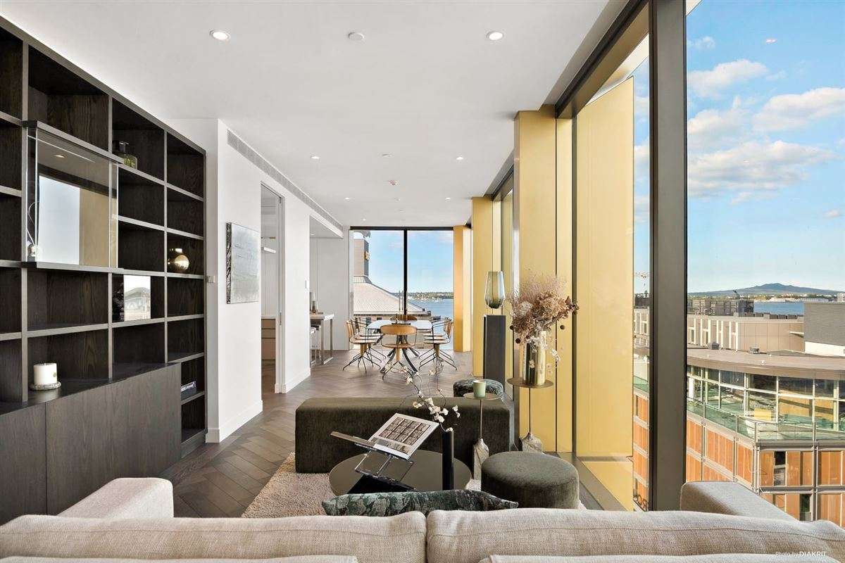 The Penthouse at 132 Halsey luxury homes