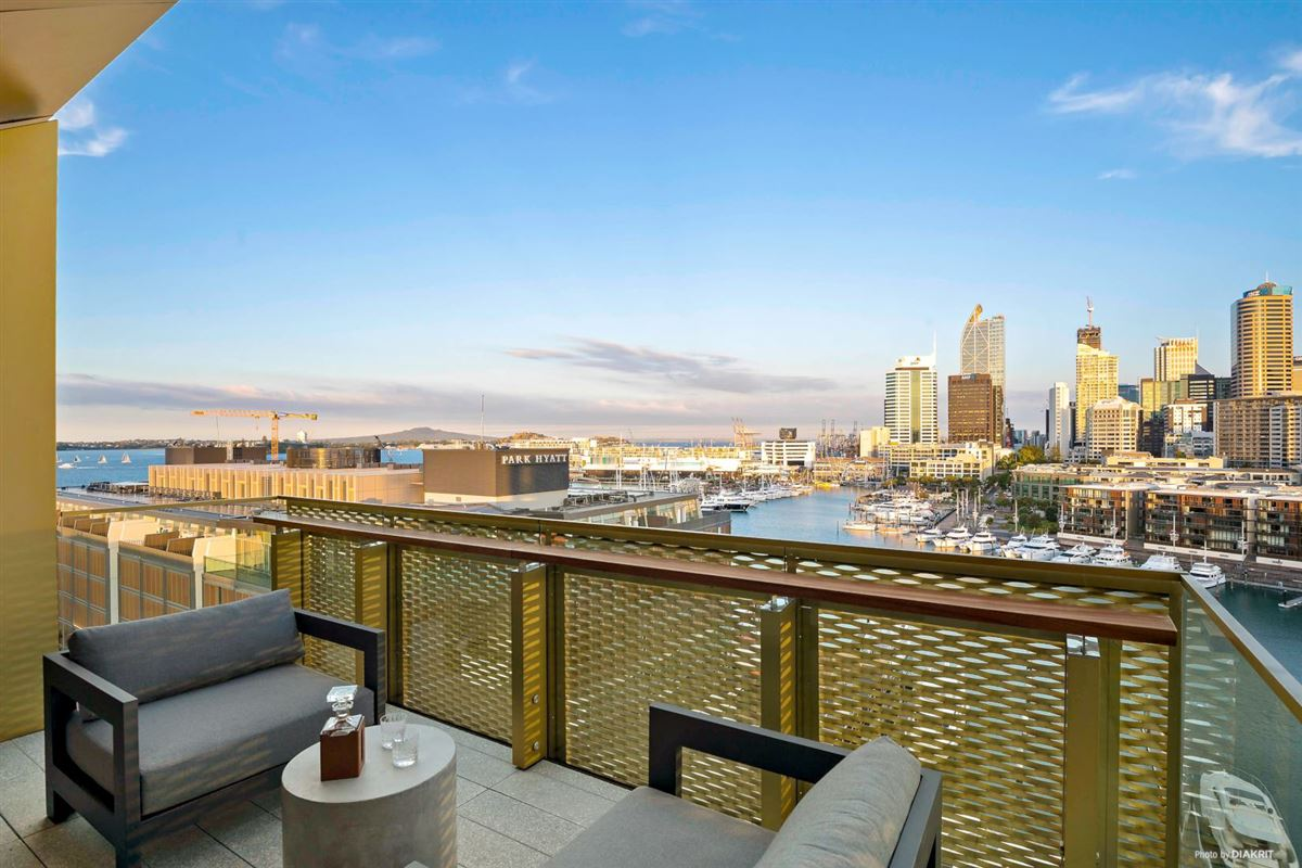 Luxury real estate The Penthouse at 132 Halsey