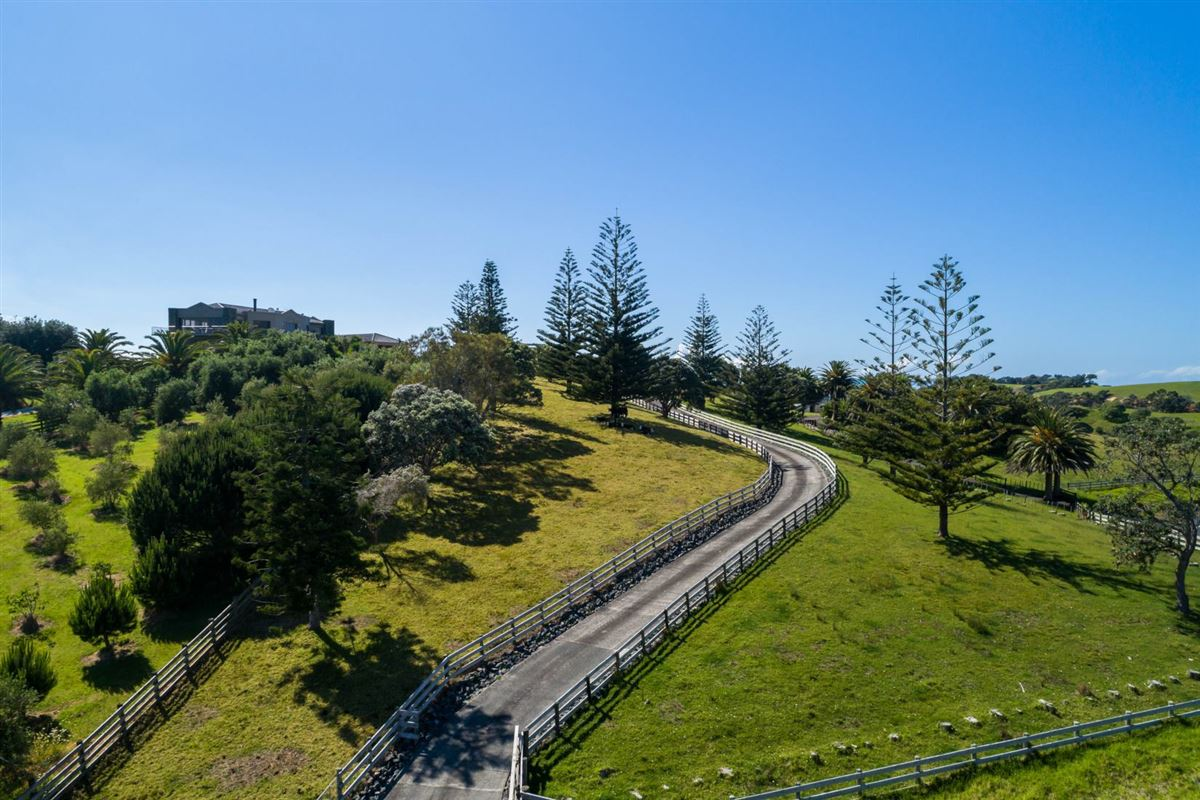 very desirable cliff-top property in northland luxury properties
