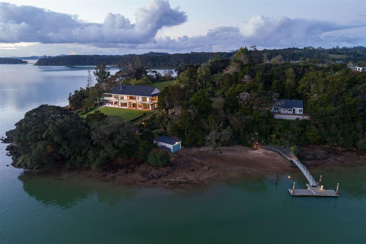Luxury homes in Spectacular Waterfront Hideaway
