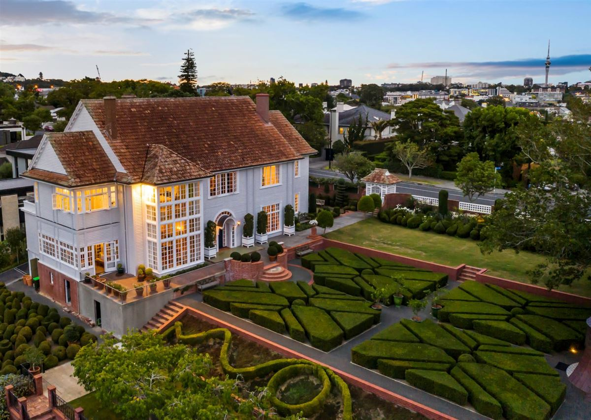 Luxury real estate historic Remuera estate