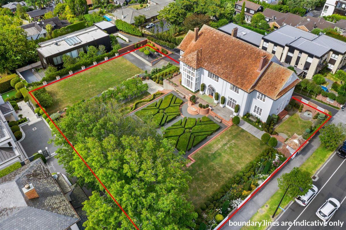 Luxury homes historic Remuera estate
