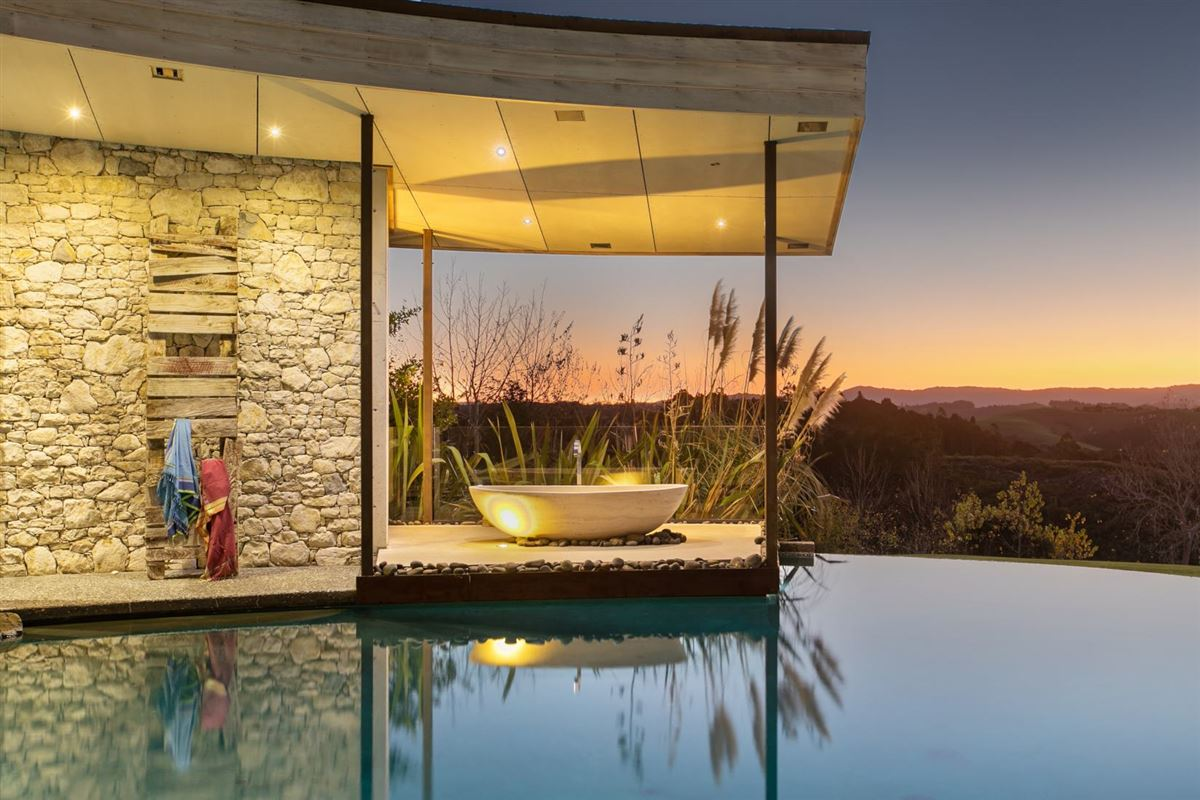 Luxury homes Koru House in auckland