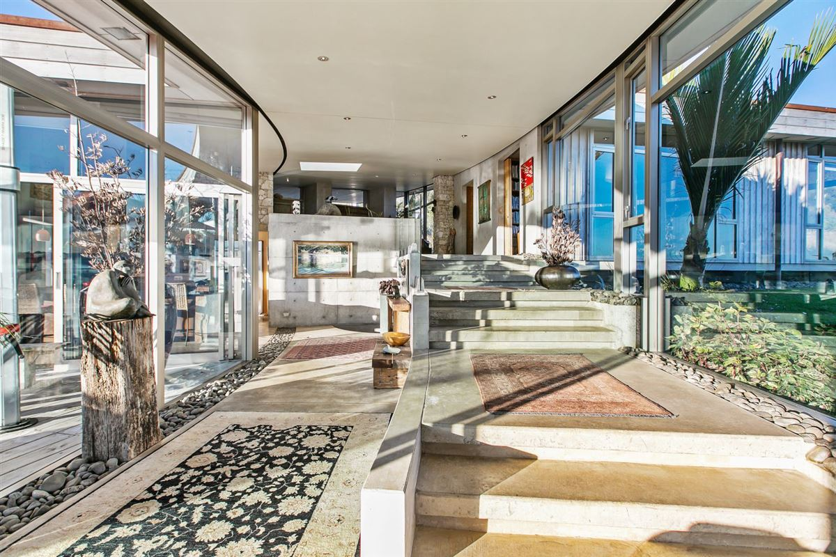 Luxury real estate Koru House in auckland