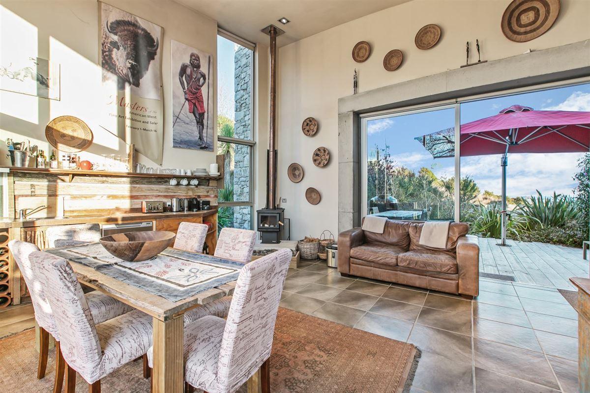 Koru House in auckland luxury real estate