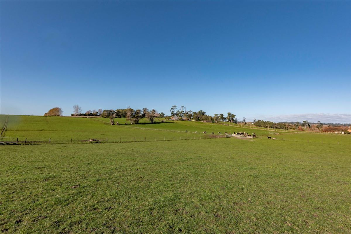 Approx 51 acres prime land in the heart of Dairy Flat, bordering the North Shore Aeropark and North Shore Aero Clu luxury real estate
