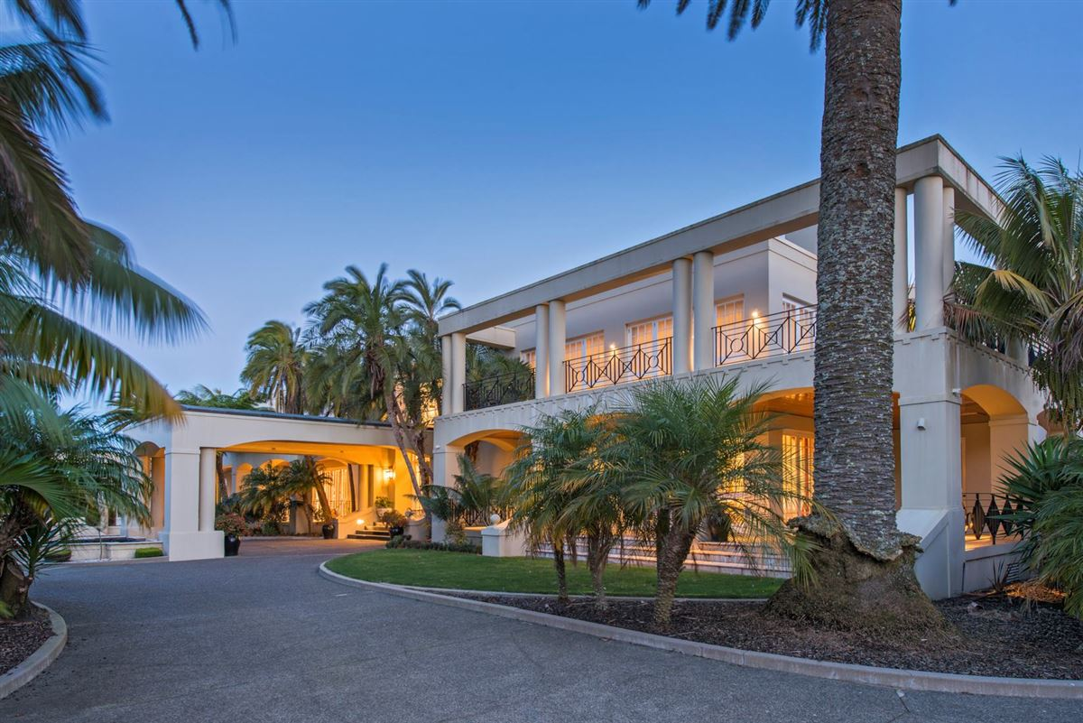 Luxury homes magnificent residence in kohimarama
