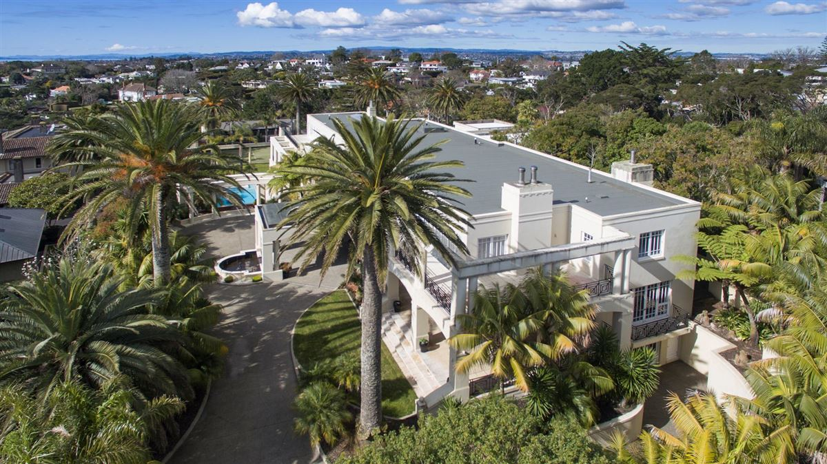 Luxury real estate magnificent residence in kohimarama