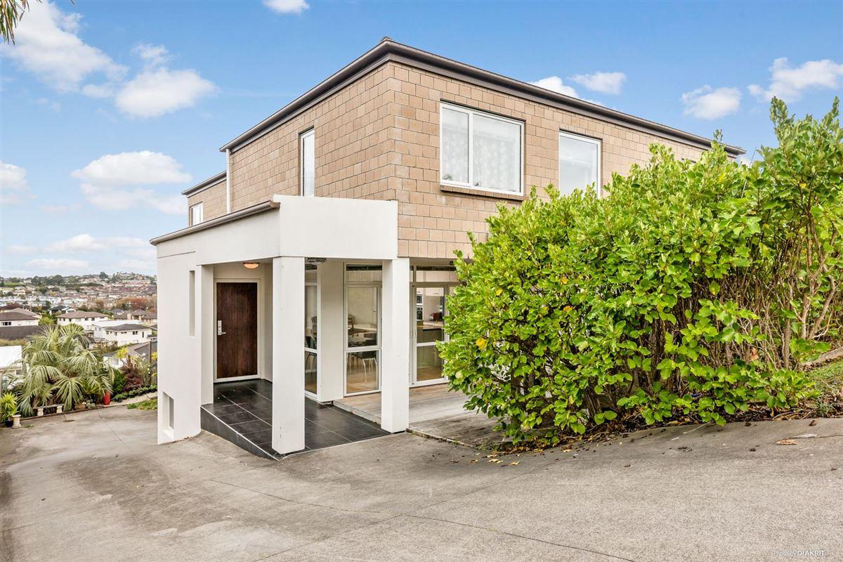 Stunning Elevated Split Level Home New Zealand Luxury