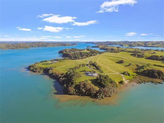 Auckland Luxury Homes and Auckland Luxury Real Estate | Property