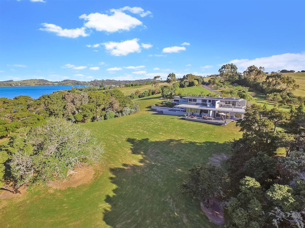 private paradise on 25 acres luxury homes