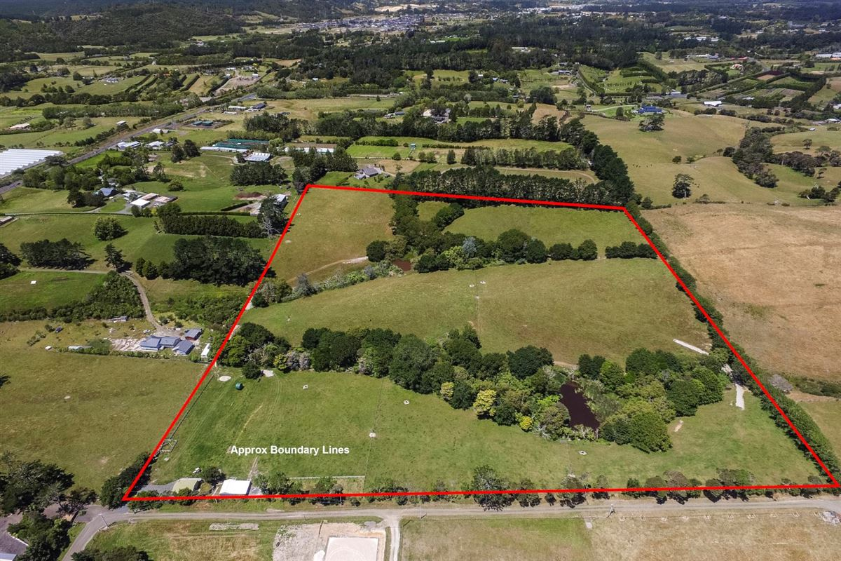 Expansive property in the Countryside of Kumeu luxury homes