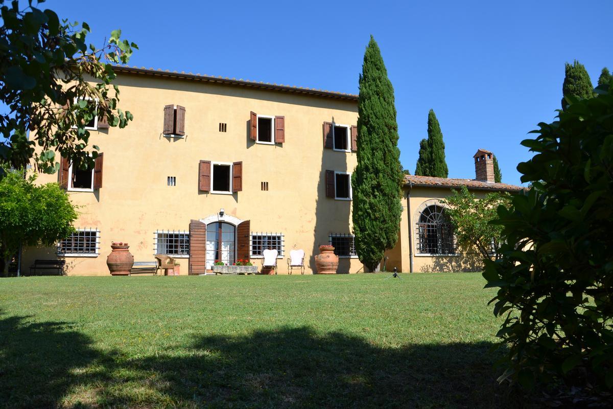 Luxury properties VILLA IL MONASTERO TUSCANY