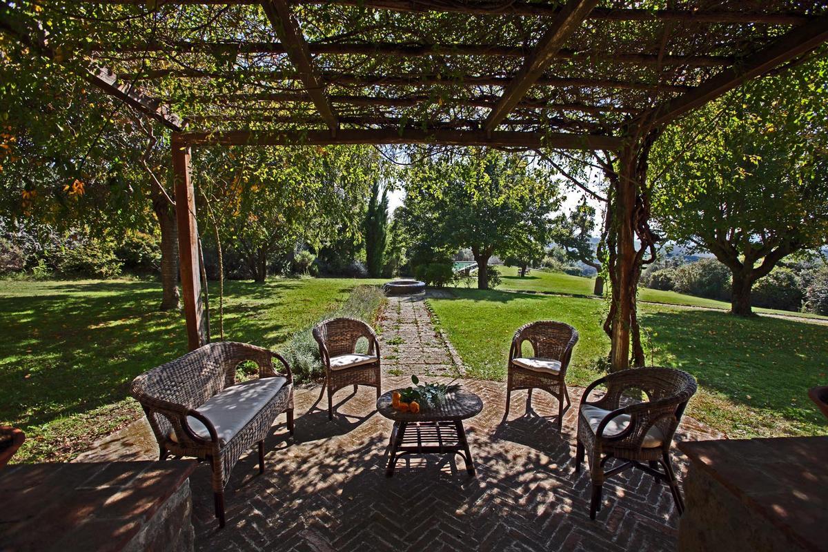 Luxury properties  countryhouse with panoramic views valdorcia