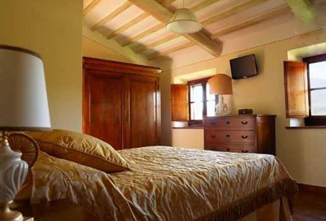 Luxury properties  VILLA IL MELOGRANO TUSCANY