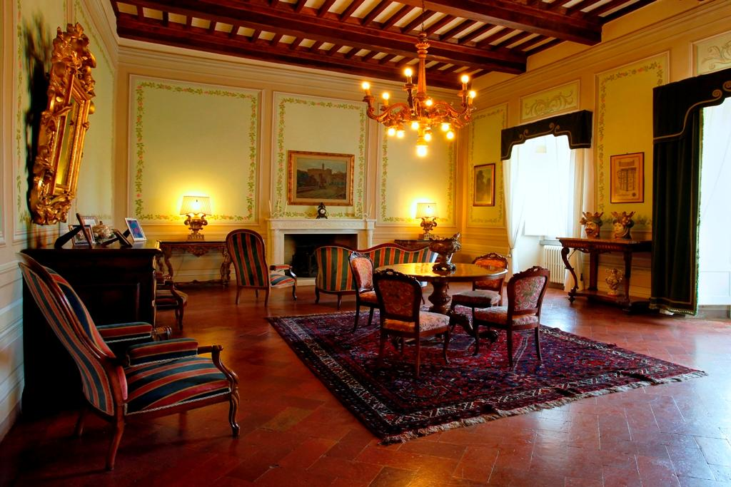 Luxury properties VILLA LA LIMONAIA TUSCANY