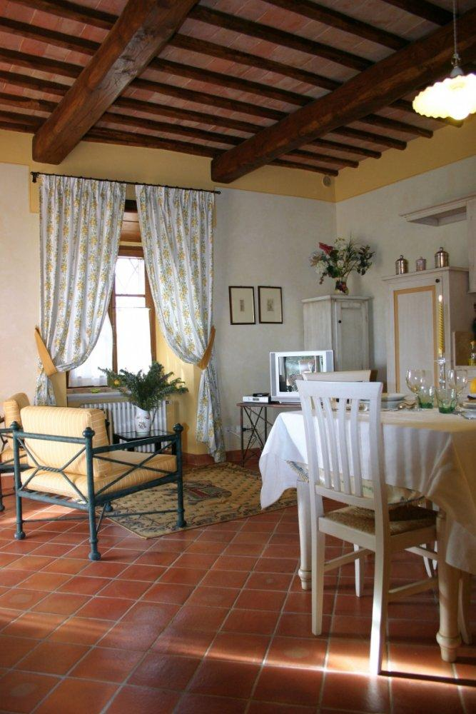 Mansions Hamlet for Sale in the Heart of Tuscany