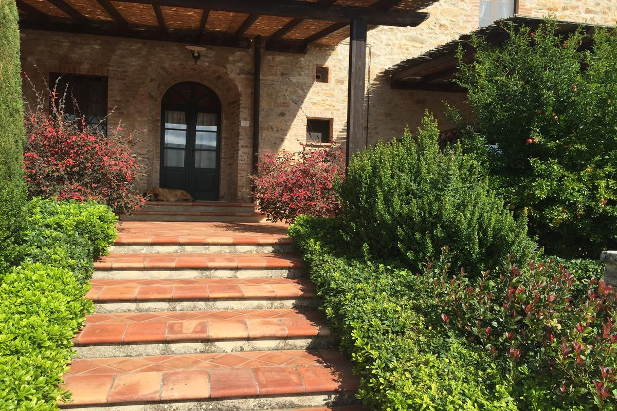 Mansions in Hamlet for Sale in the Heart of Tuscany