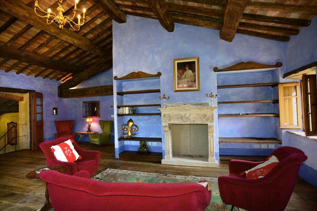 Luxury properties VILLA LAVANDA VALDORCIA TUSCANY