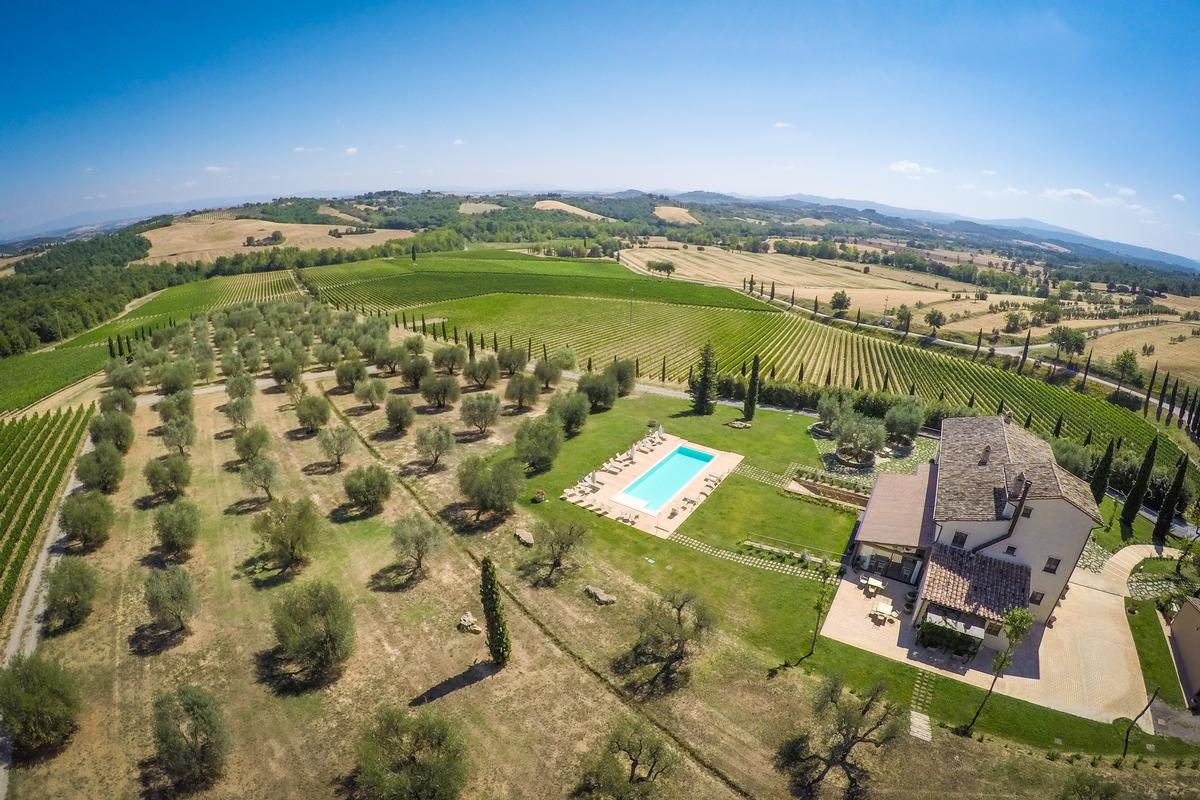 Mansions in ESTATE FARM VINEYARD AMAZING TUSCANY