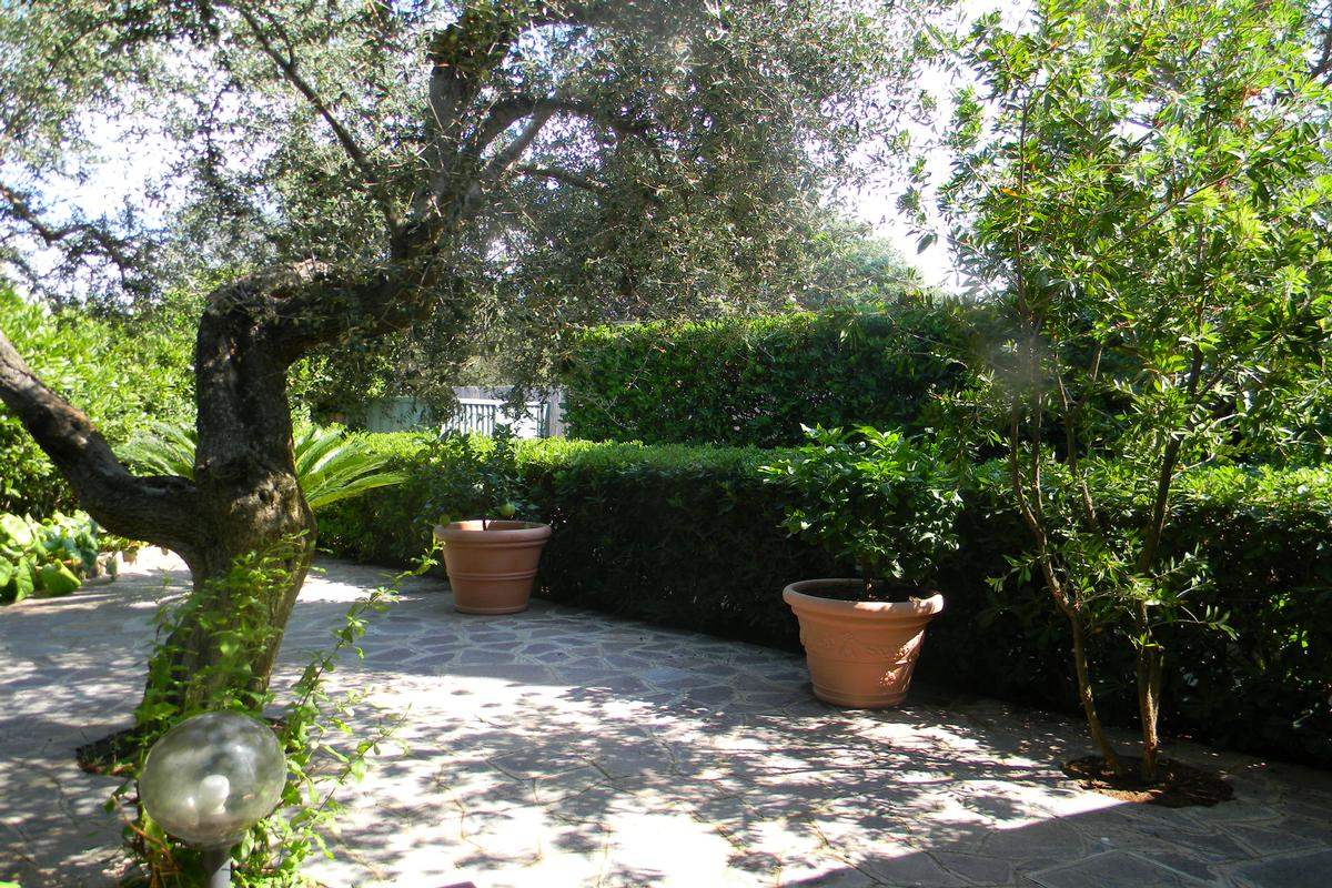 TUSCANY SEAFRONT VILLA IN ANSEDONIA  luxury properties
