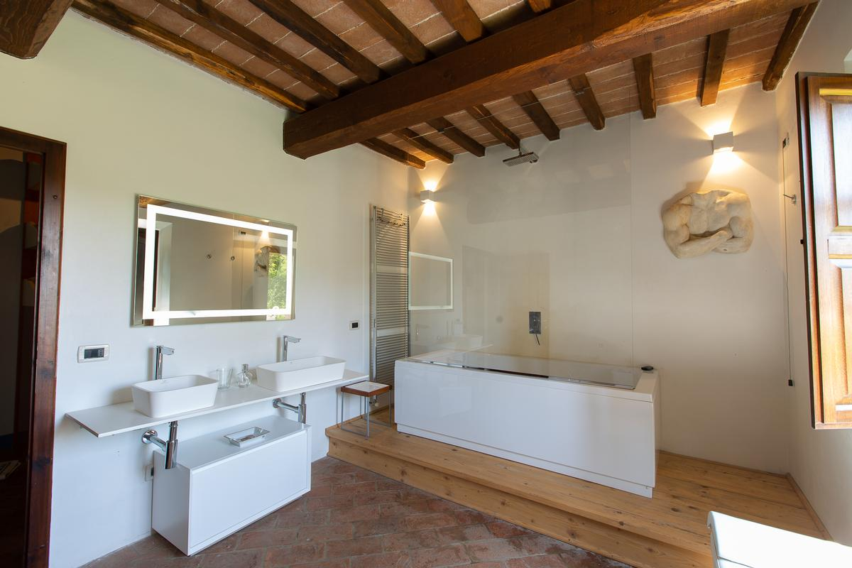 Mansions COUNTRY HOUSE IN MONTEPULCIANO TUSCANY