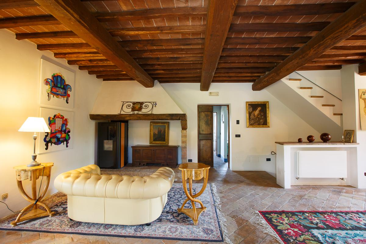 COUNTRY HOUSE IN MONTEPULCIANO TUSCANY  mansions
