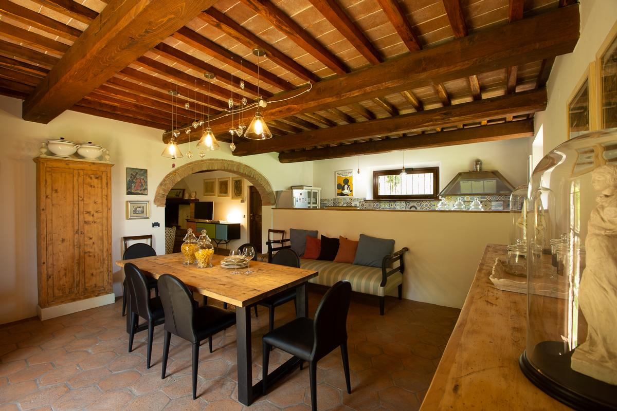 Luxury homes COUNTRY HOUSE IN MONTEPULCIANO TUSCANY