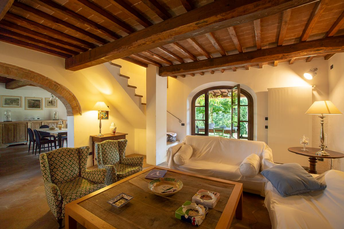 COUNTRY HOUSE IN MONTEPULCIANO TUSCANY  luxury homes