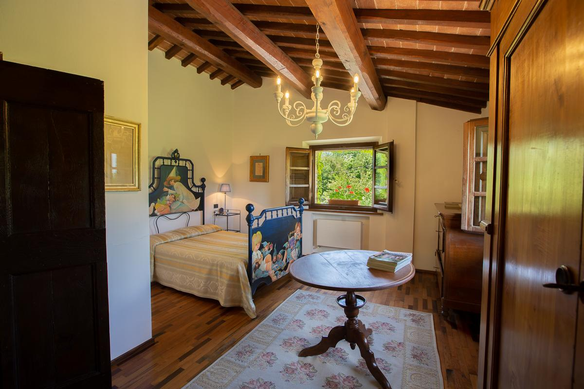 Luxury real estate COUNTRY HOUSE IN MONTEPULCIANO TUSCANY