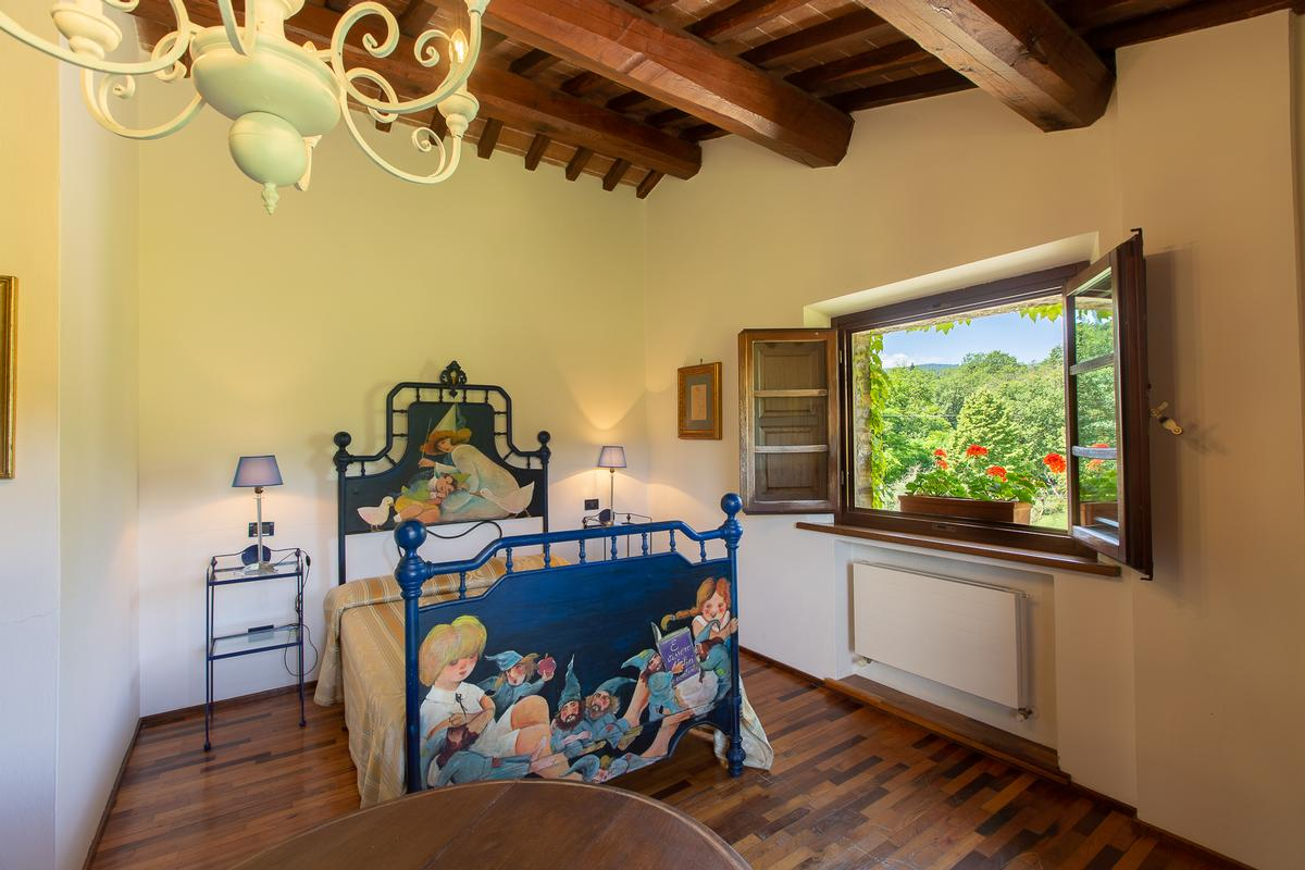 COUNTRY HOUSE IN MONTEPULCIANO TUSCANY  luxury real estate