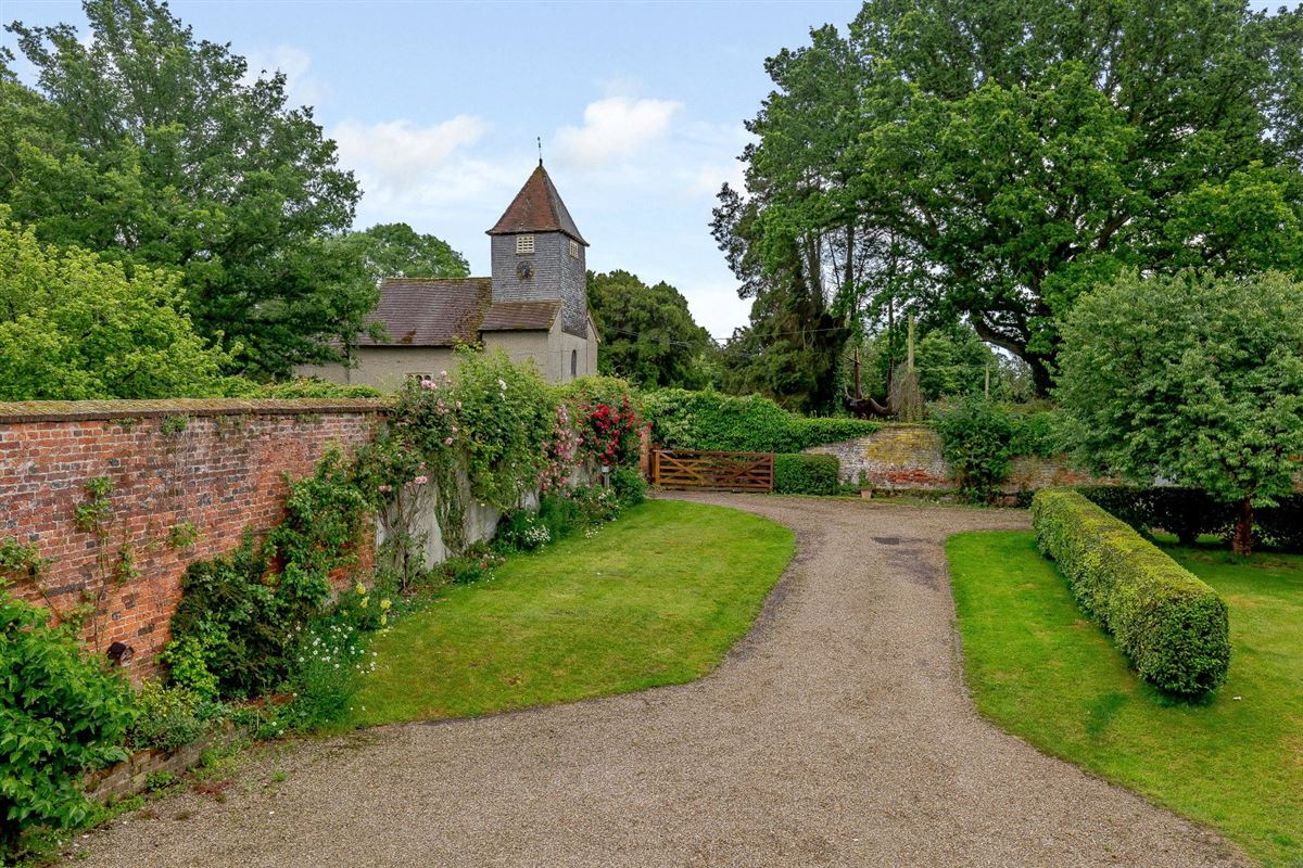 Mansions in The Walled Garden
